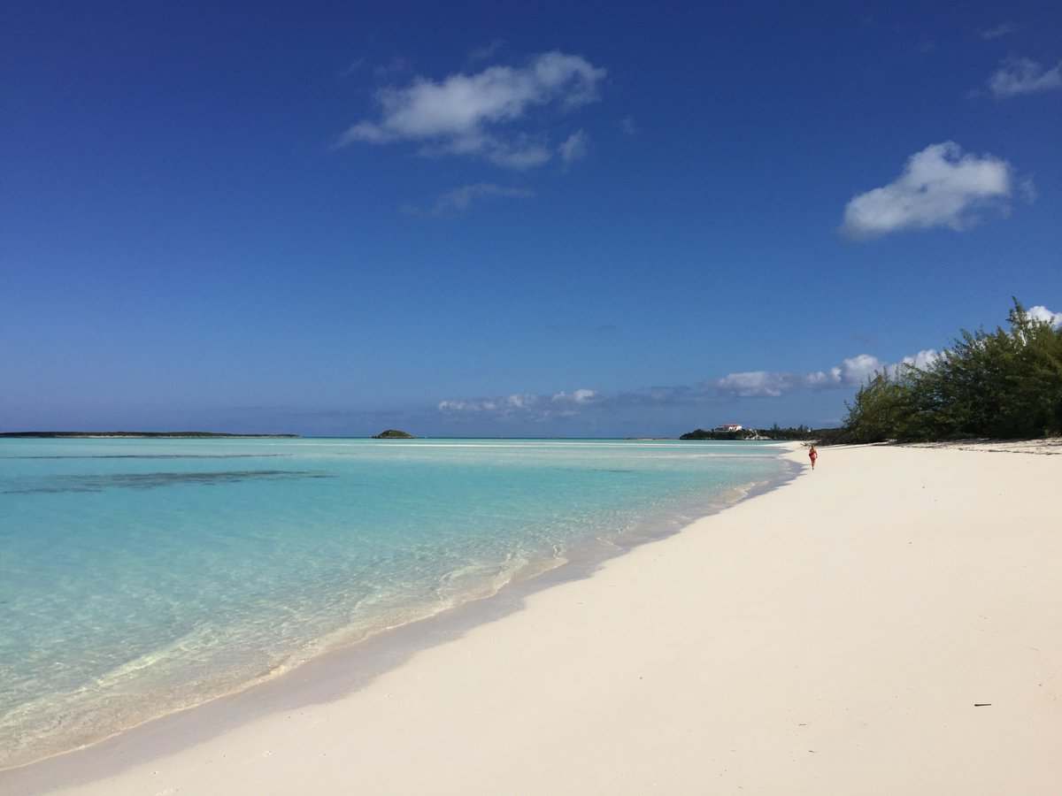 Image from Run For Pompey on 15 Sep 2019 with caption: It's so Heavenly, even Paradise seems a smaller word for it!⁣⁣ Join us for a blissful experience!⁣ https://t.co/n4tOArusTv⁣ ⁣#BibChat #BRGetawayExuma #ExumaMarathon #grandisleresort #greatexuma #thebahamas #resortlife #barefootluxury #runforpompey #flyawaybahamas https://t.co/HE75JeubxK